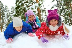 children-playing-in-snow