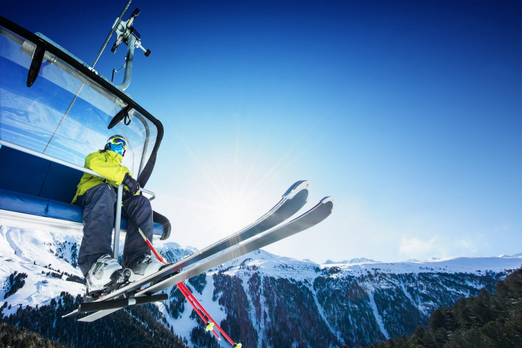 Scoring a great deal on an flight to a world-class ski resort means less time traveling and more time on the slopes. Use these tips and tricks to save money on your next trip.