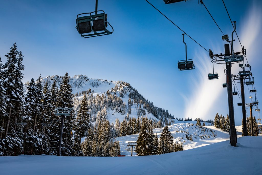 There are some excellent ski resorts near Seattle that are great for a day trip or long weekend away from the Emerald City.